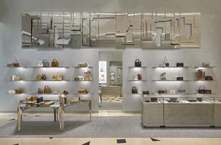 【旗舰店】Prada迪拜购物中心新旗舰店&Dior迪拜购物中心新旗舰店