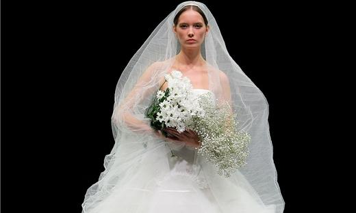 2021春夏婚纱[Yolancris]巴塞罗那时装发布会